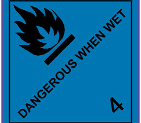 IMO 4.3 Dangerous when wet label, 100mm x 100mm, 1.000 etiketten, core 76mm